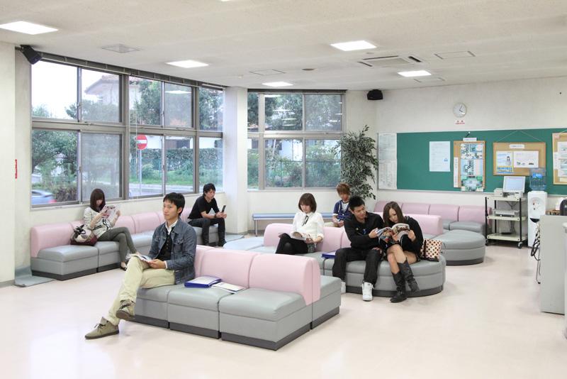 待合ホールの画像